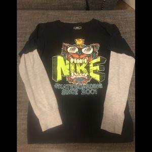 Nike long sleeved t-shirt